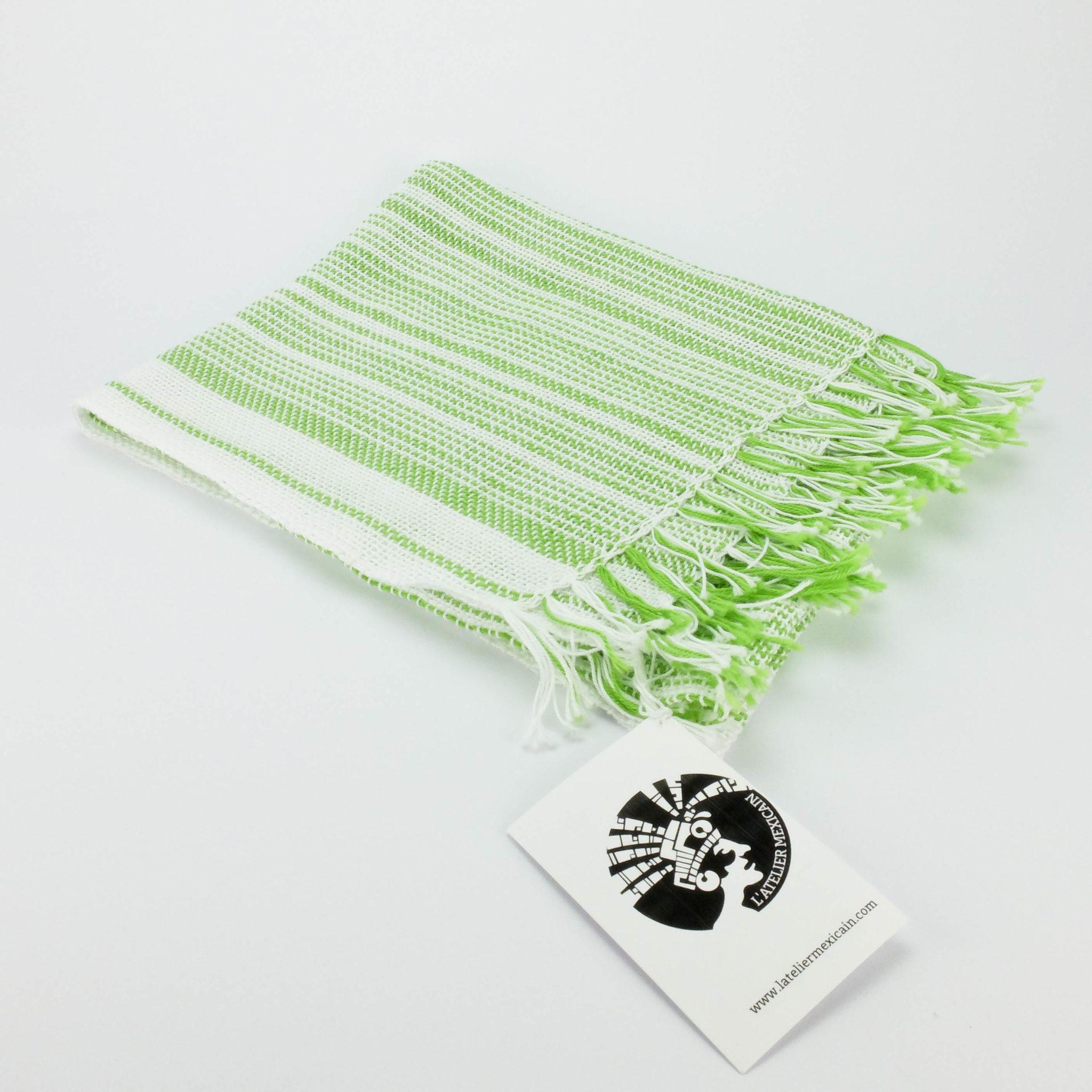 Foulard d été tissé main - Blanc et vert mexicain - Le Marché Super 3f805c98d47